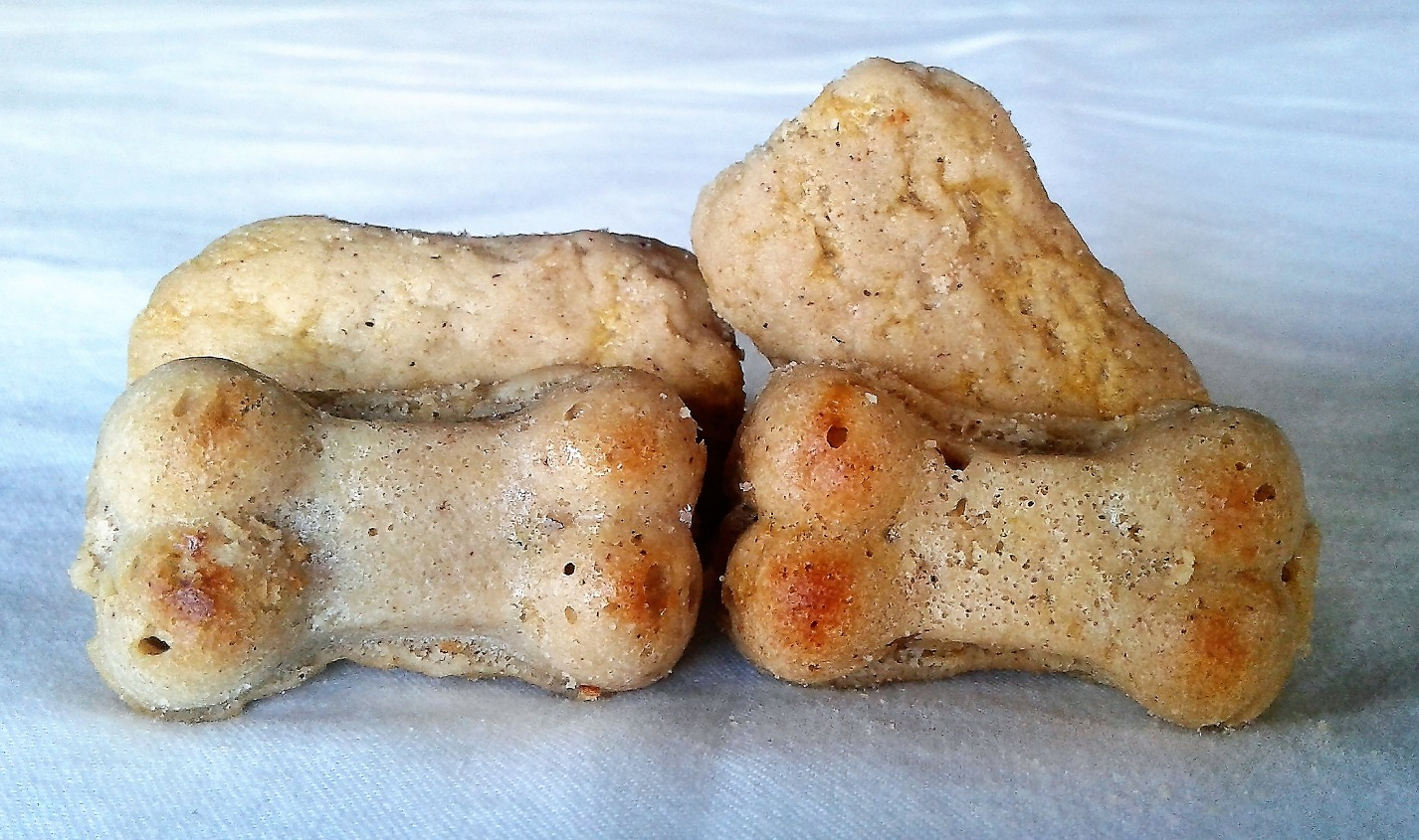 apple cheddar dog treats